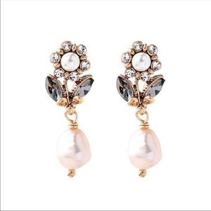 Brand New Pearl & Crystal Decorated Earrings.